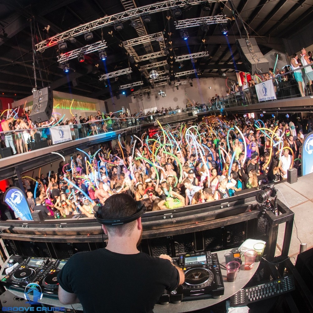 Groove Cruise photo by Veranmiky